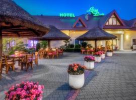 Leśny Dwór – hotel w pobliżu miejsca Centrum handlowe M1 w mieście Skaryszew