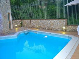 Giardini Di Capodimonte Apartment, hotel with pools in Naples