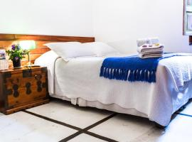 Conchita Flores B&B, bed and breakfast en Santiago