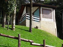 Luar da Montanha chalé 1, hotel perto de Pedra Redonda, Monte Verde