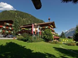 Hotel Almhof, hotel in Neustift im Stubaital