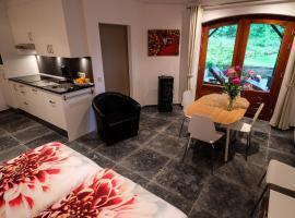 B&B De Groene Gast, hotel near Kasteel Aerwinkel, Montfort
