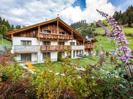 Alpine Mountain Chalet, cabin in San Vigilio Di Marebbe