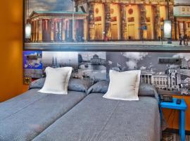 JC Rooms Santo Domingo, habitación en casa particular en Madrid