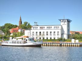 HafenHotel PommernYacht, Hotel in Ueckermünde