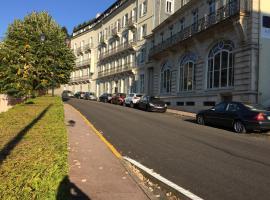 Acacias Apparts Hotel, serviced apartment in Plombières-les-Bains