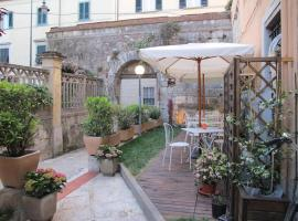 Hotel Amalfitana, hotel near San Rossore Train Station, Pisa