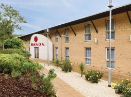 Ramada Oxford, hotel in Waterstock