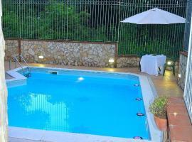 I Giardini di Capodimonte 2, hotel with pools in Naples