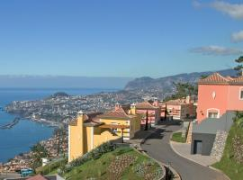 Balancal Apartments and Villas Palheiro Village, hotel near Quinta do Palheiro Ferreiro, Funchal