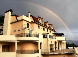 Hotel Sette E Mezzo, hotell i Castelluccio Superiore