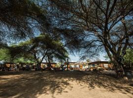 Shkedi's Camplodge, hostel in Ne'ot HaKikar
