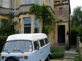 66 Bloomfield Avenue, budget hotel in Bath