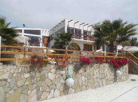 Hotel & Cabañas El Mirador Caldera, vacation home in Caldera