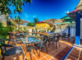 Divers Hotel, отель в Сиануквиле
