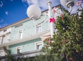Hotel Ronchi, hotel in Cervia