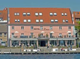 Hotel Am Yachthafen, Hotel in Waren (Müritz)