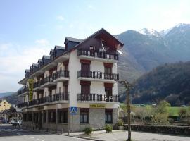Hotel Garona, hotel near Llanos del Hospital - Nordic Ski Resort, Bossòst