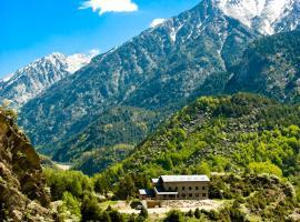 Hostal Parque Natural, hotel near Llanos del Hospital - Nordic Ski Resort, Benasque