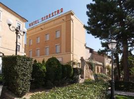 Hotel La Ginestra, hotell i Recanati