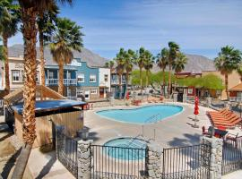 Palm Canyon Hotel and RV Resort, glamping site in Borrego Springs