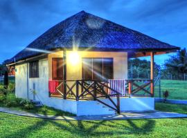 Beachfront Resort, hotel in Luganville