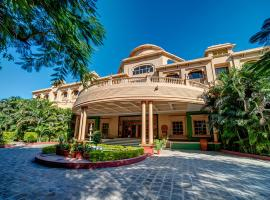 Renest Shirdi Resort, hotel with pools in Shirdi