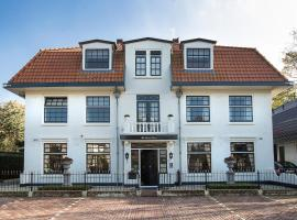 B & B Hotel The Baron Crown, hotel near Lighthouse Den Helder, Den Helder