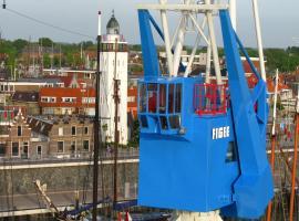 Havenkraan van Harlingen, overnachting in Harlingen