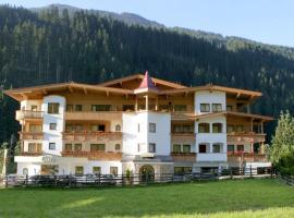 Natur- & Wanderhotel Tuxertal, hotel in Tux