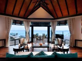 Sun Siyam Iru Fushi, resort in Manadhoo