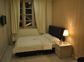 Jayleen Clarke Quay Hotel (SG Clean), hotel near National Museum of Singapore, Singapore