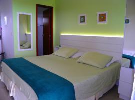 Pousada Mar de Cristal, hotel near Morro das Aranhas (Spiders Hill), Florianópolis