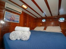 Tersane IV, boat in Palermo