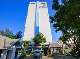 Blue Wave Hotel Hua Hin, отель в Хуахине, рядом находится Hua Hin - Pattaya Ferry
