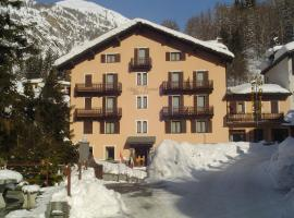 Centrale, hotel in Courmayeur