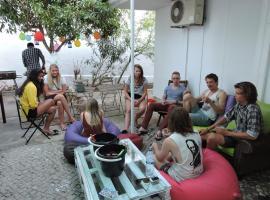 Le Penguin Hostel, hostel in Faro