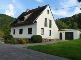 Ferienhaus Fischbachtal, hotel with parking in Heimbach