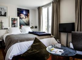 Le Pigalle Hotel, hotel near Abbesses Metro Station, Paris