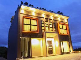 Daily Home Villa Dago, villa in Bandung