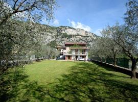 Casa Vacanze Moleta, villa in Arco