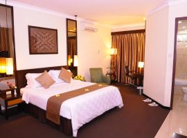 Plaza Hotel Semarang, hotel near Gombel Golf, Semarang