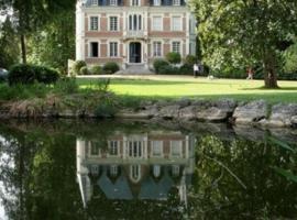 Maison d'hôtes Le Manoir de Contres, hôtel à Contres près de: ZooParc de Beauval