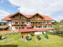 Kur- und Wellnesshotel Waldruh, hotel near Kolbensattelbahn, Bad Kohlgrub