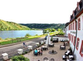 Gasthaus Moselloreley, hotel near Natural Park Saar-Hunsrück, Piesport