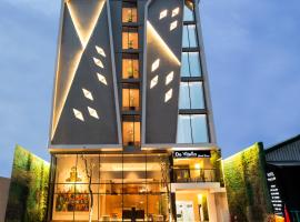 Yellow Star Ambarukmo Hotel, three-star hotel in Yogyakarta