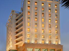 Sarovar Grand Hometel, hotel near Bombay Exhibition Centre, Mumbai