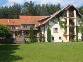 Country Holiday Hotel – hotel w pobliżu miejsca Wilczy Szaniec w mieście Kosewo