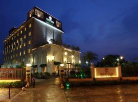 Nidhivan Sarovar Portico Vrindavan, отель в Вриндаване