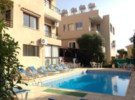Panklitos Tourist Apartments, hotel in Paphos